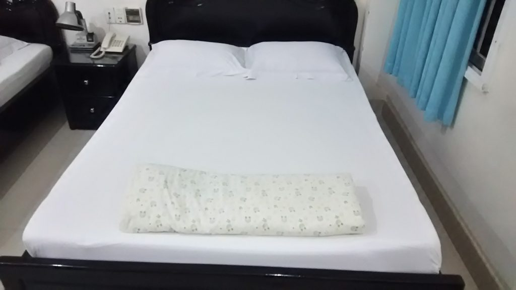 ホーチミン ホテル ベッド