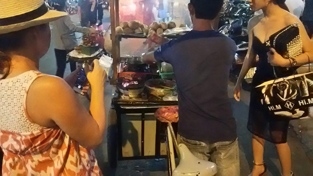 ベトナム ホーチミン ホテルと夜の街