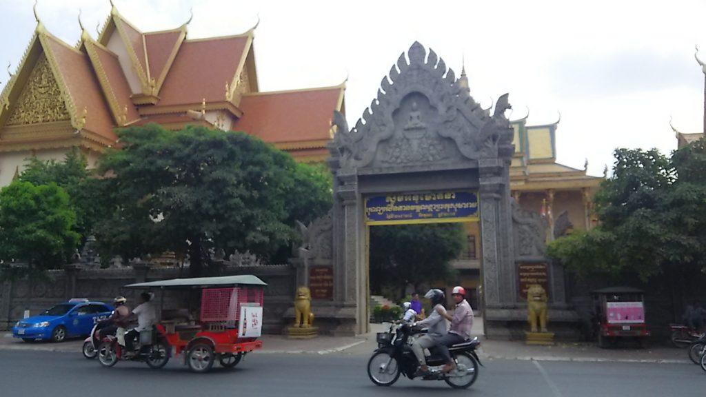 カンボジア 路地
