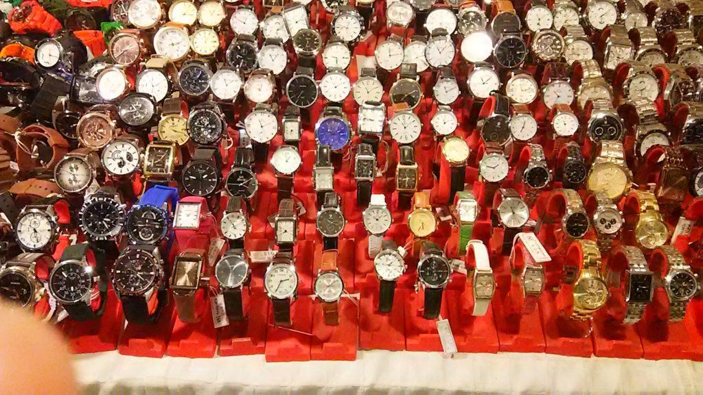 プノンペン ナイトマーケット 時計