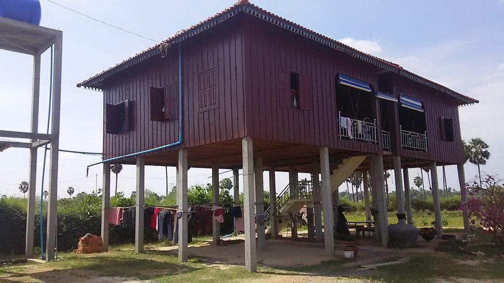 カンボジア 教師寮