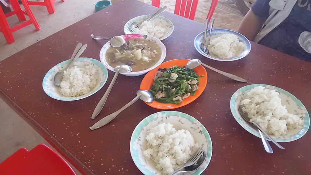 カンボジア学校 給食メニュー