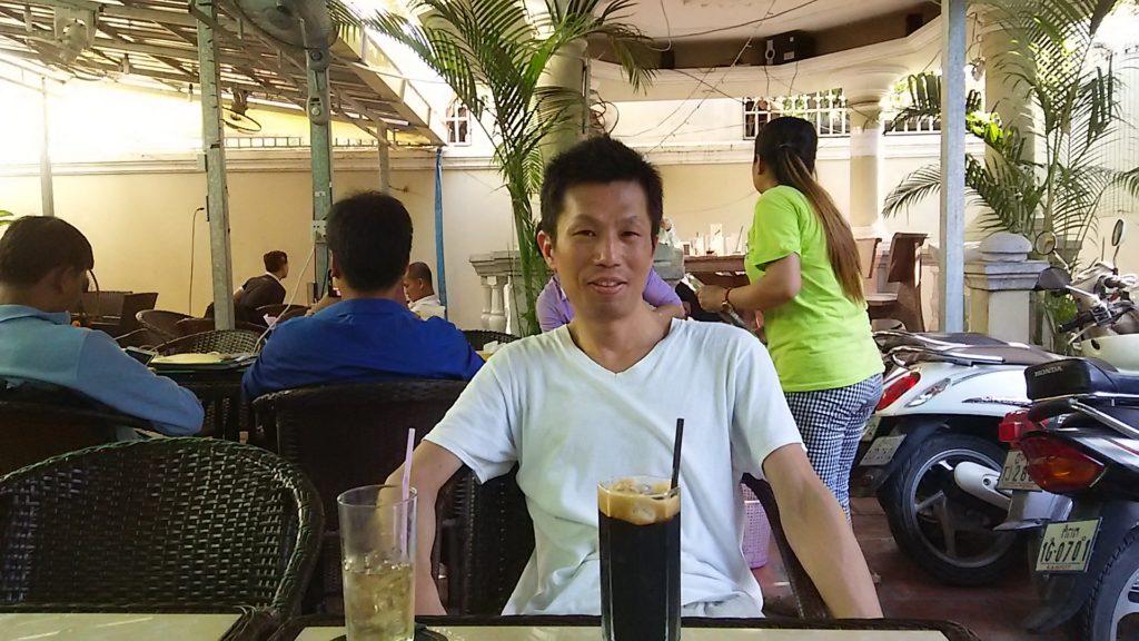 カンボジア UEDAカフェ店内
