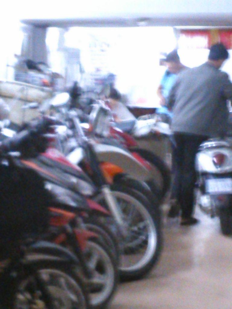 カンボジア レンタルバイク屋