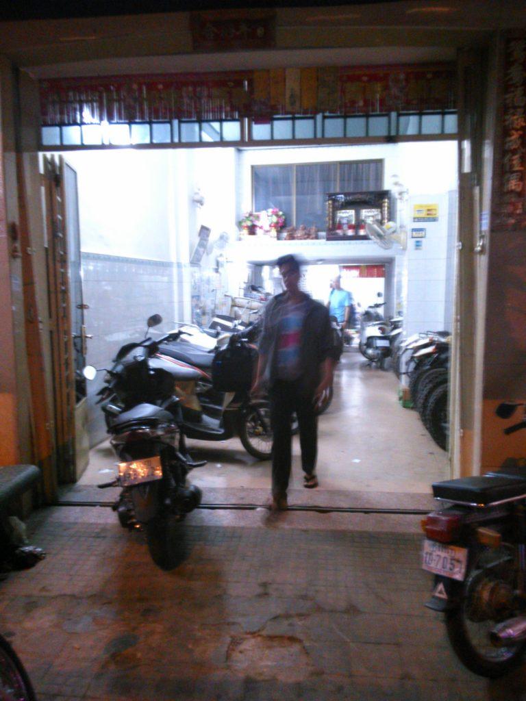 カンボジア バイクレンタル