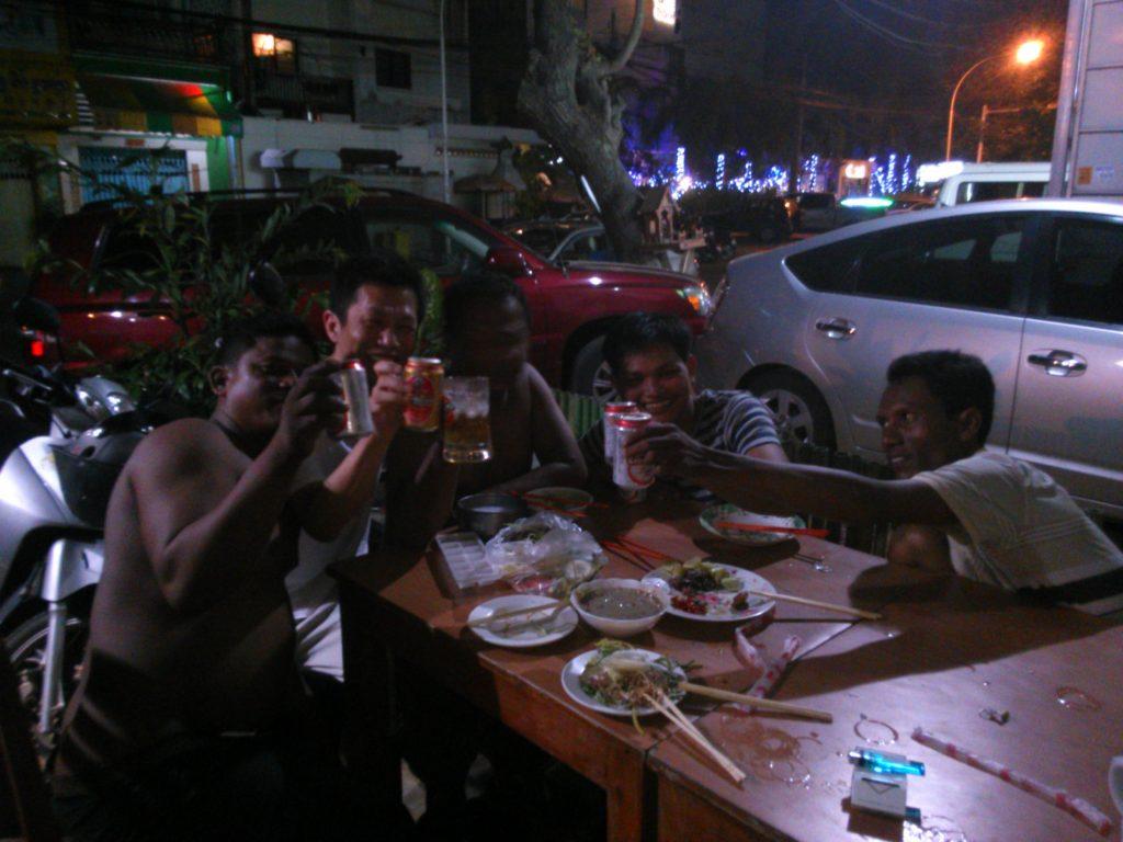 カンボジア 宴会