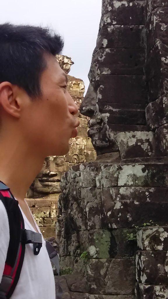 日本人ツアーと合流 アンコール・トムで象とガルーダ