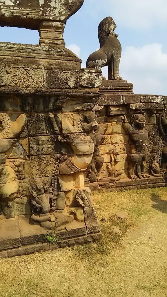 アンコールトム 象のテラス石像
