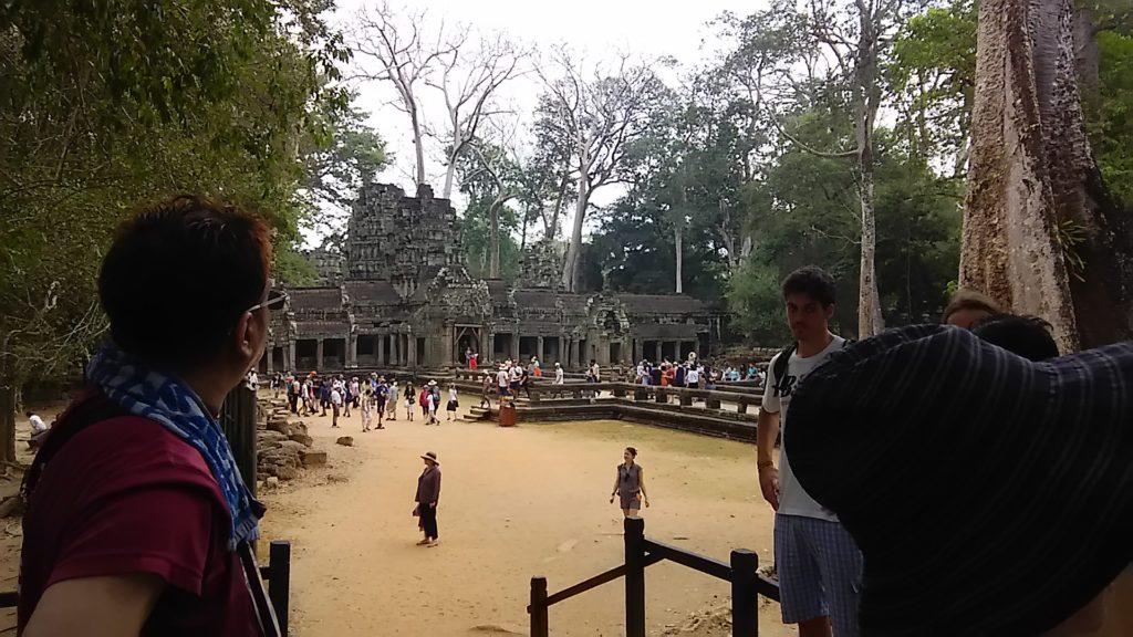 タ・プローム寺院 入口