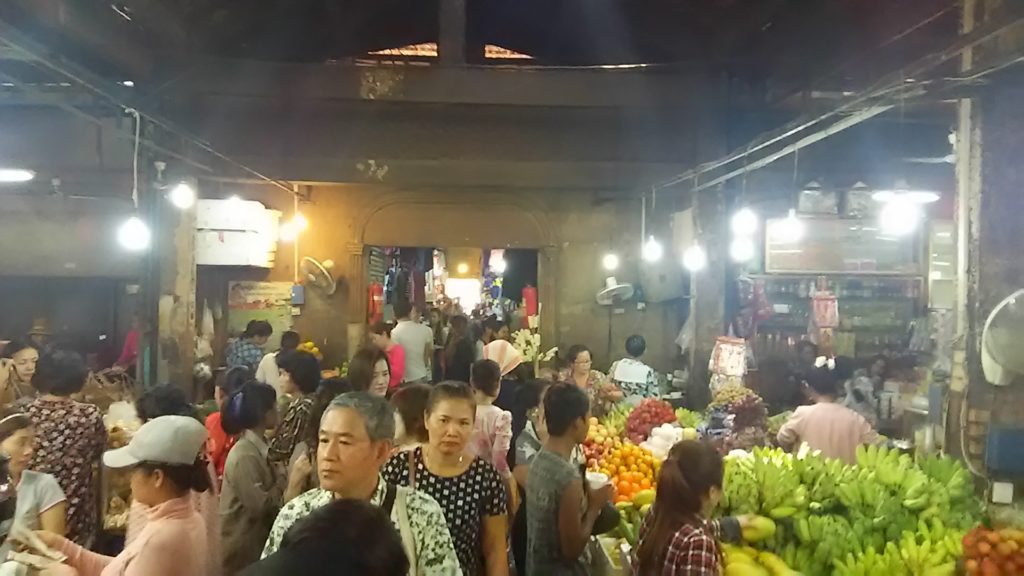 シェムリアップ オールドマーケット 食料品売場