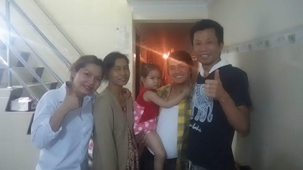 カンボジア 家族