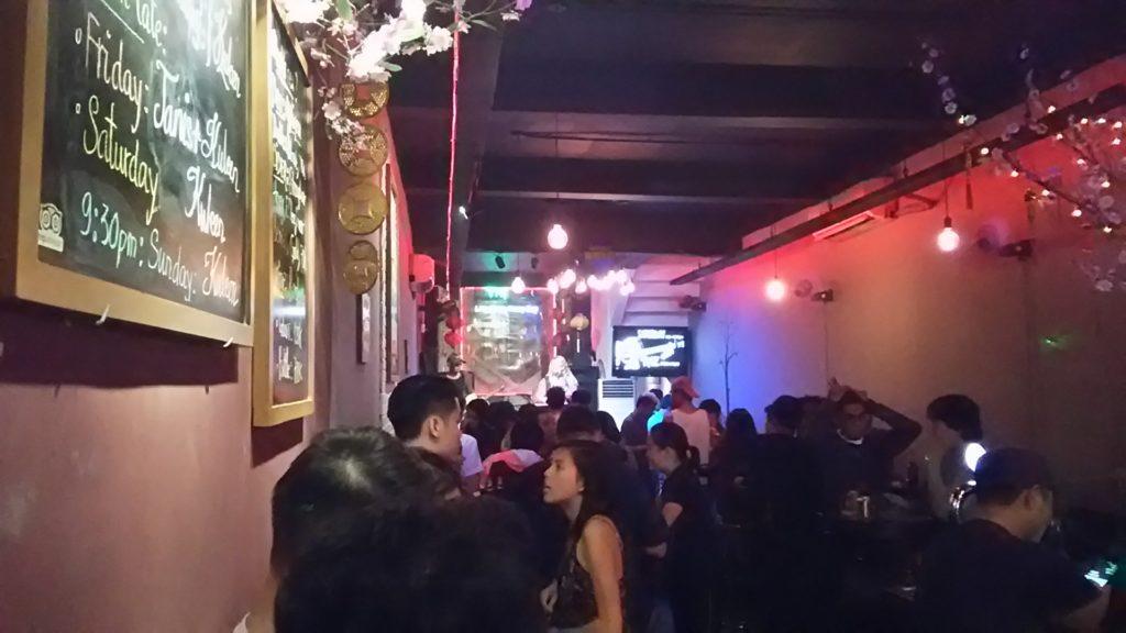 サイゴン バー店内