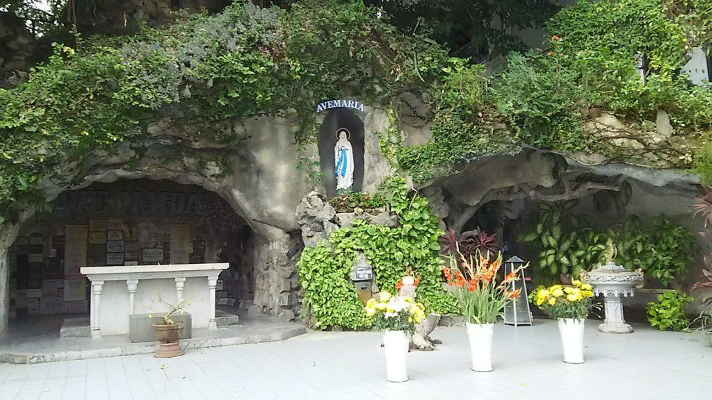 ダナン大聖堂 マリア像