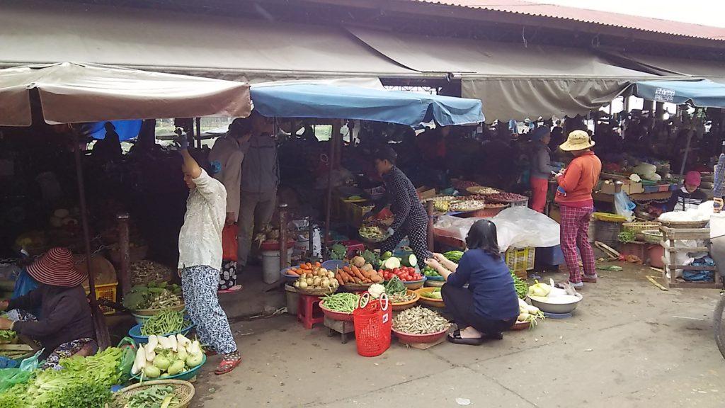 ホイアン昼 市場2