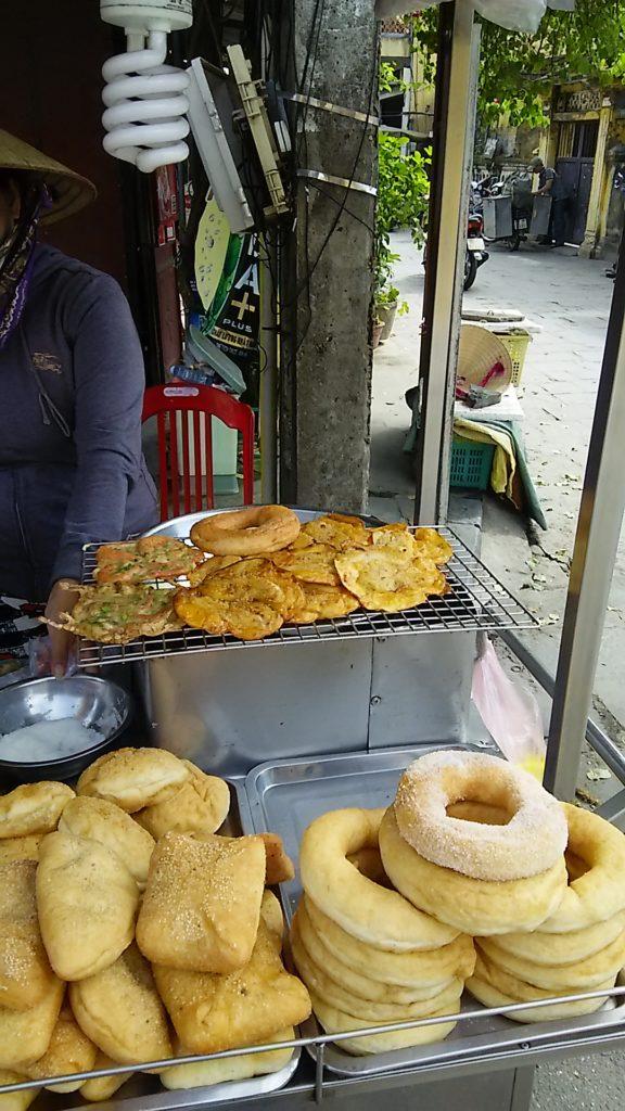 ホイアン 揚げパン屋台